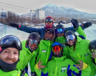 Niseko ski and snowboard instructors2