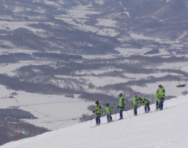 HERO Niseko Village Japan ski group