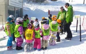 Evergreen Hakuba Japan group uniform ski